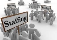 Pracodawcy lepiej płacą zatrudnionym na umowy tymczasowe?